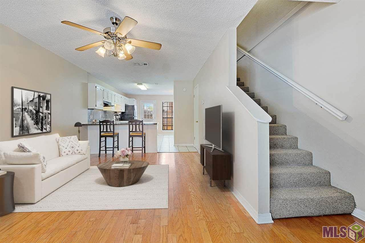 2293 Hollydale Ave - Photo 1