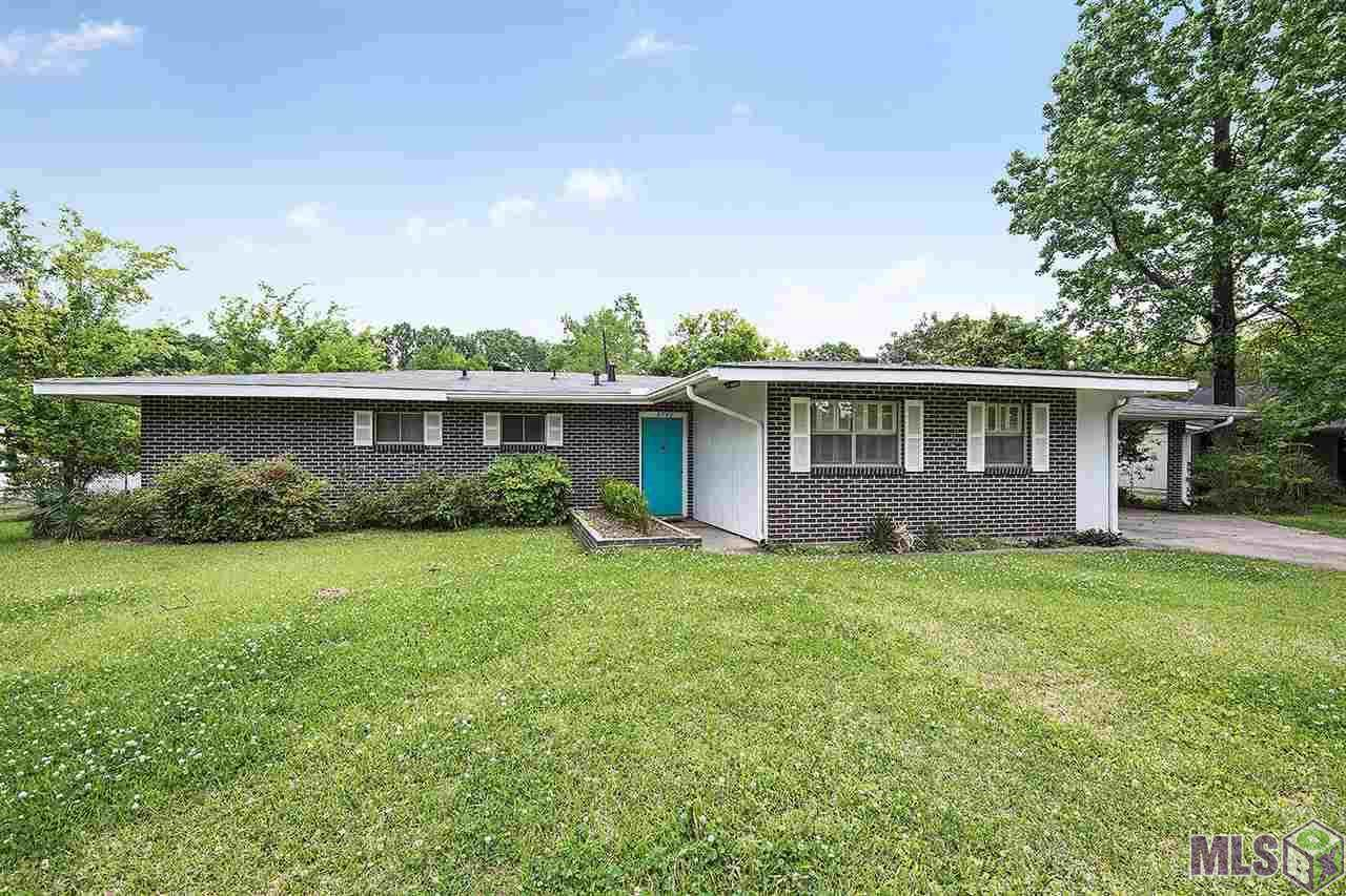 8745 Forest Hill Dr - Photo 1
