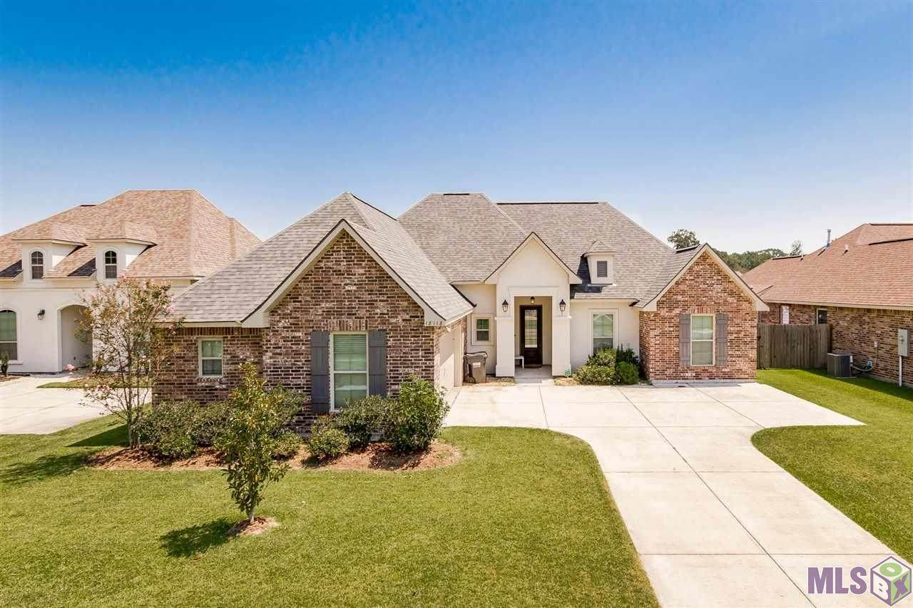 18118 Old Trail Dr - Photo 1