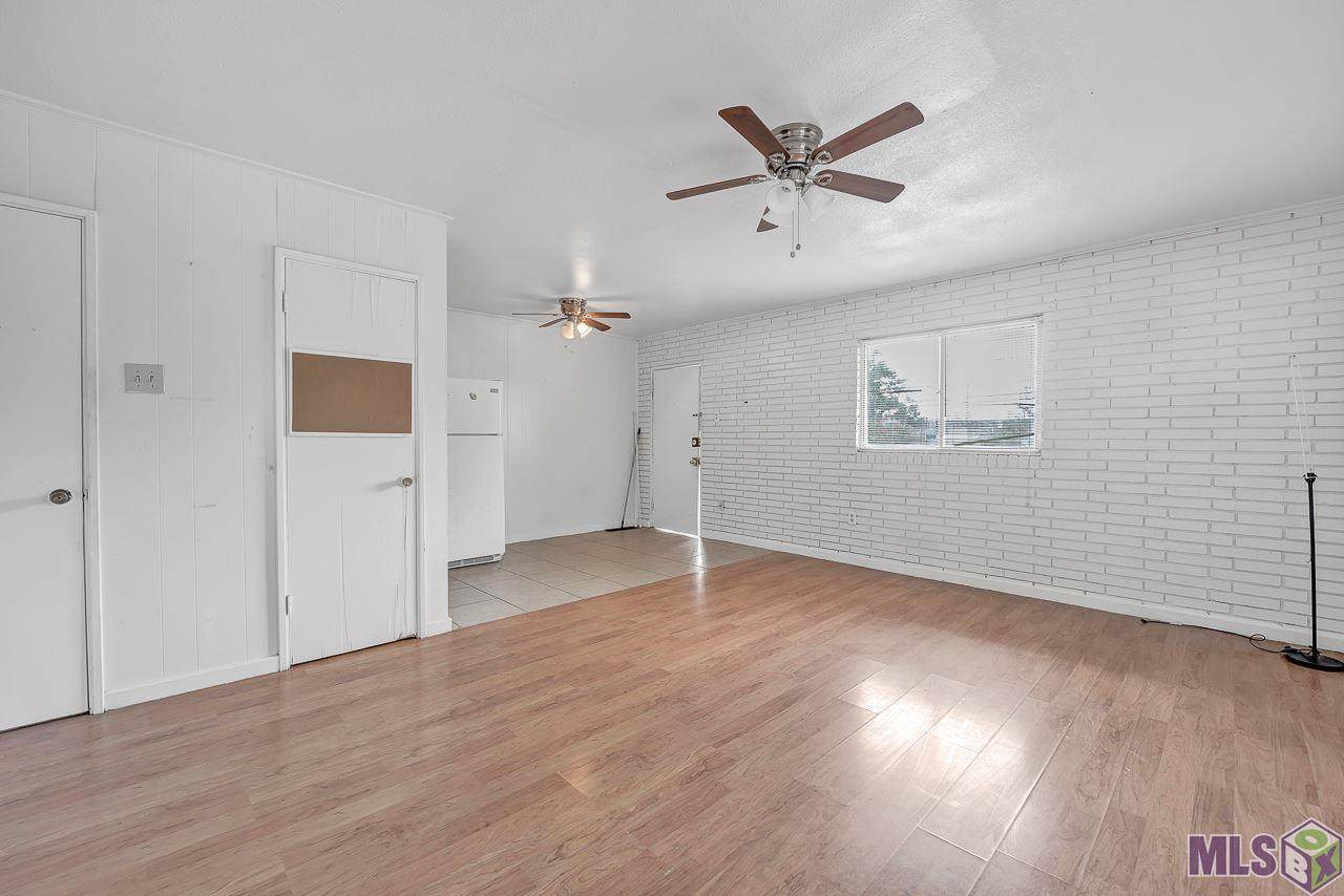 1128 Aster St - Photo 1