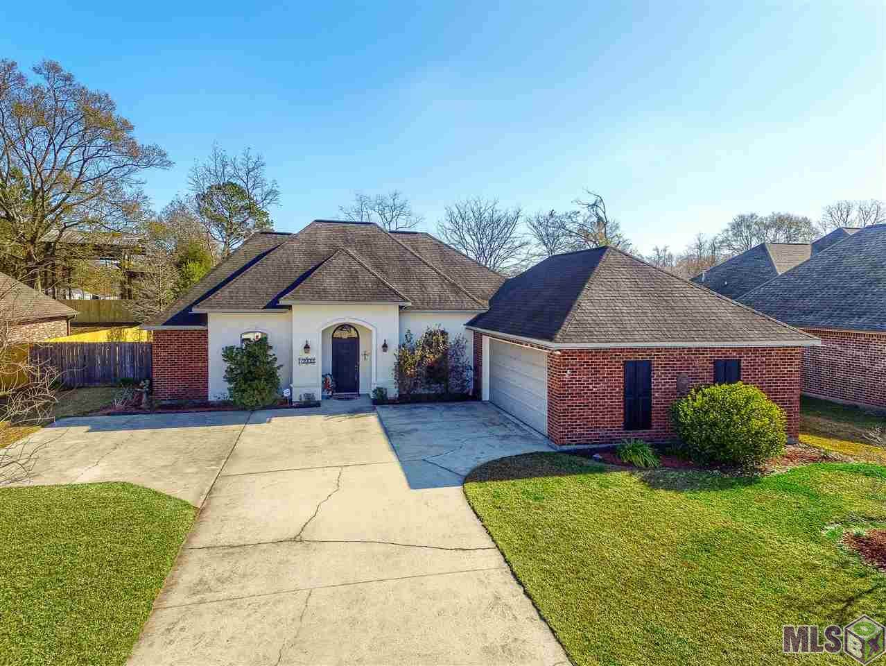 19902 Stone Hill Dr - Photo 1