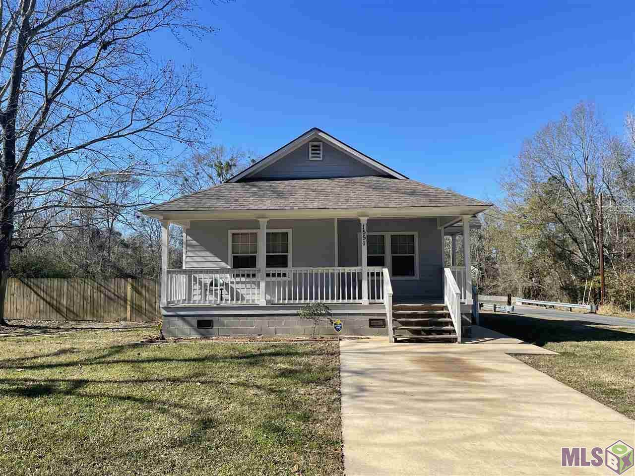 1551 Parkway Dr - Photo 1