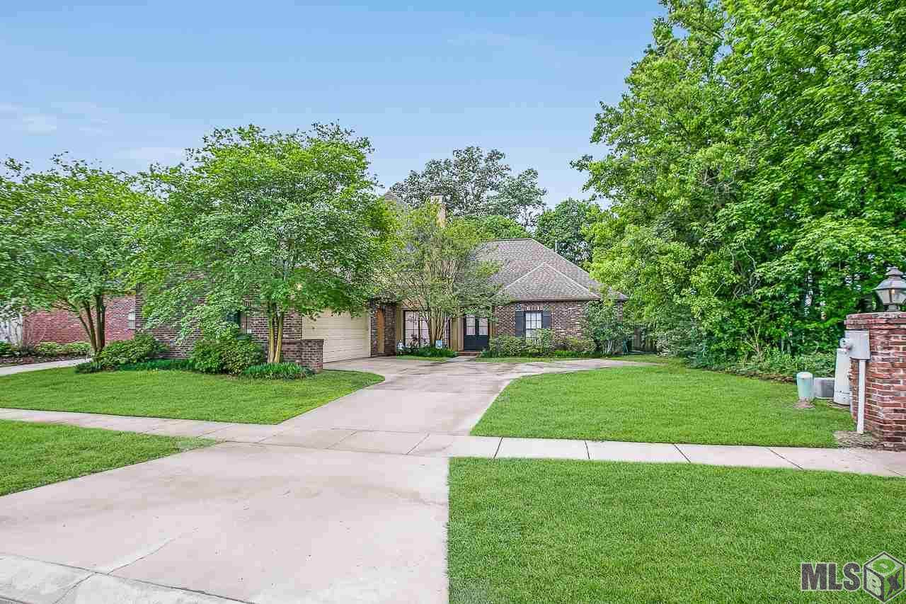 13627 Forest Lawn Dr - Photo 1