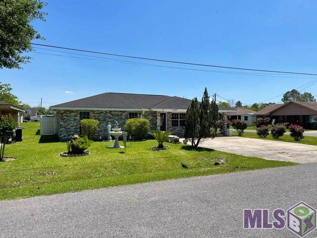 1527 Loretta D St, Donaldsonville, LA 70346 (#2021006035) :: Smart Move Real Estate