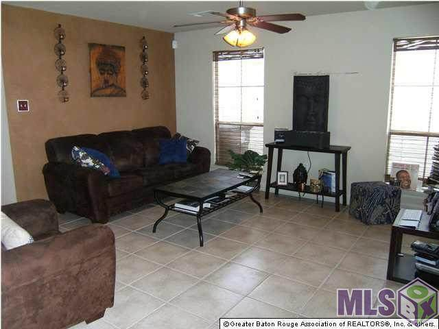 8550 Longwood View Ave - Photo 1