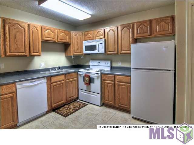 4518 Y A Tittle Ave #10, Baton Rouge, LA 70820 (#2016010969) :: Darren James & Associates powered by eXp Realty
