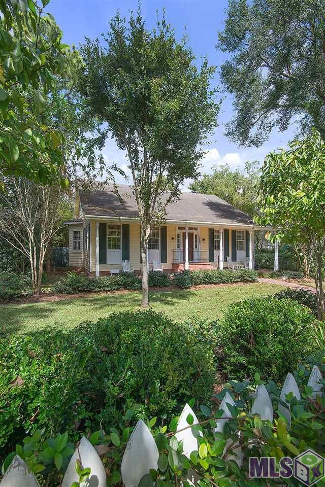 9827 Royal St, St Francisville, LA 70775 (#2017014444) :: Darren James & Associates powered by eXp Realty