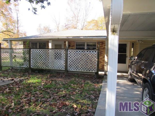 30515 Corby, Denham Springs, LA 70726 (#2017019081) :: Smart Move Real Estate