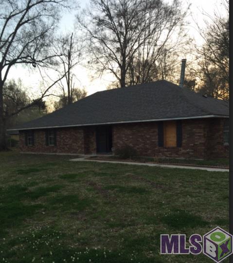 8627 Shady Bluff Dr, Baton Rouge, LA 70810 (#2018002290) :: David Landry Real Estate