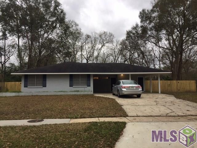 10424 S Riveroaks Dr, Baton Rouge, LA 70815 (#2019001020) :: The W Group with Berkshire Hathaway HomeServices United Properties