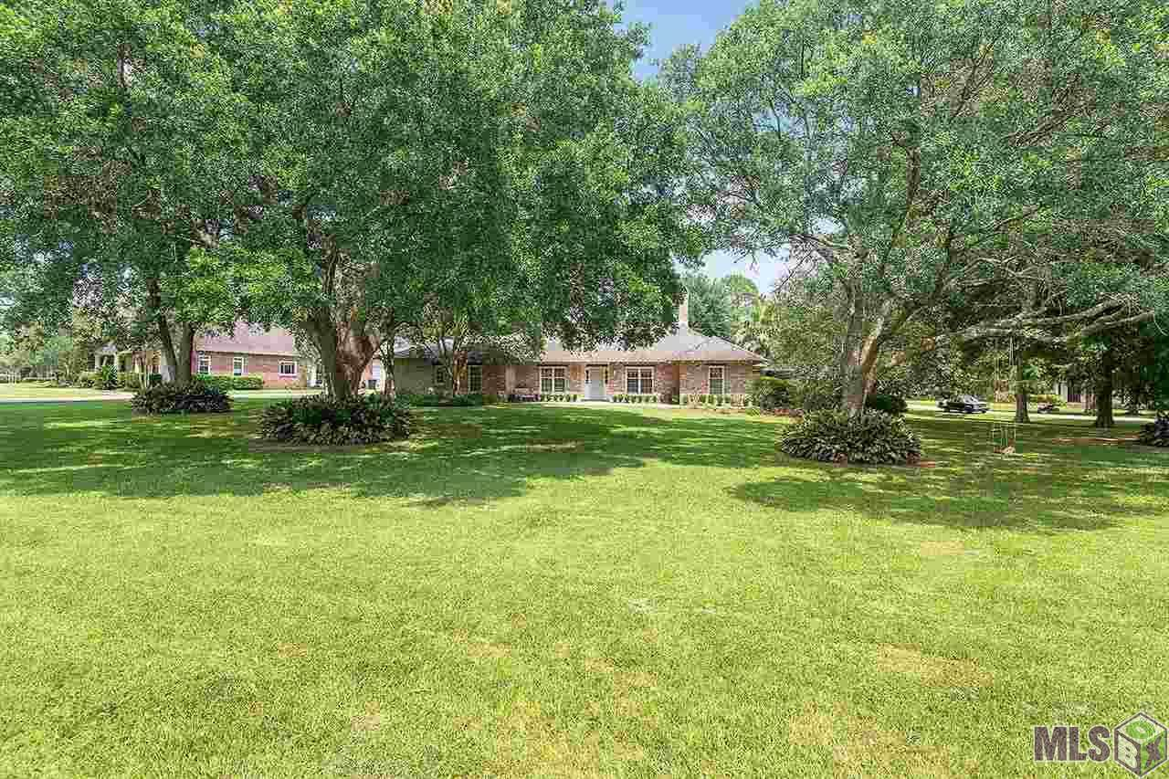 626 Woodleigh Dr - Photo 1