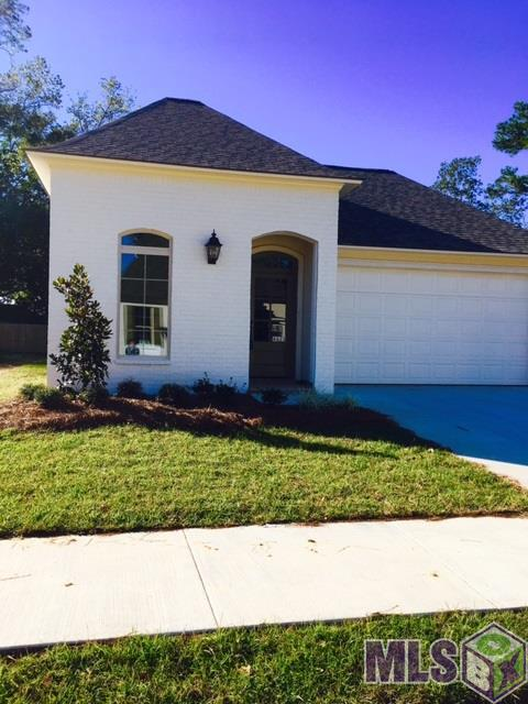 6625 Silver Oak Dr, Baton Rouge, LA 70817 (#2017006032) :: The W Group with Berkshire Hathaway HomeServices United Properties