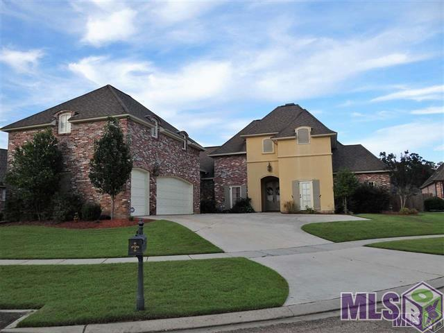 6930 Lagoon Ct, Central, LA 70739 (#2019010859) :: Patton Brantley Realty Group