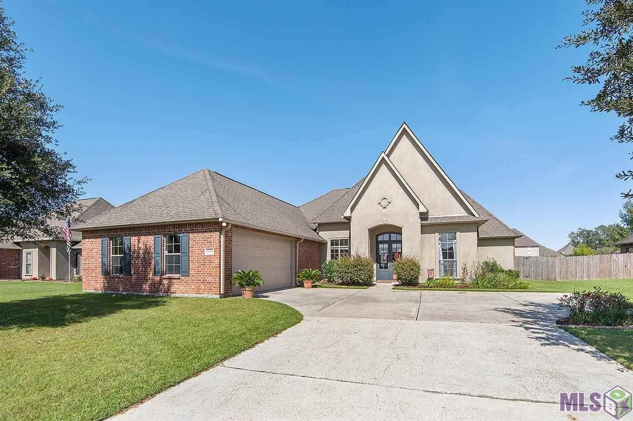 13749 Parkway Dr - Photo 1