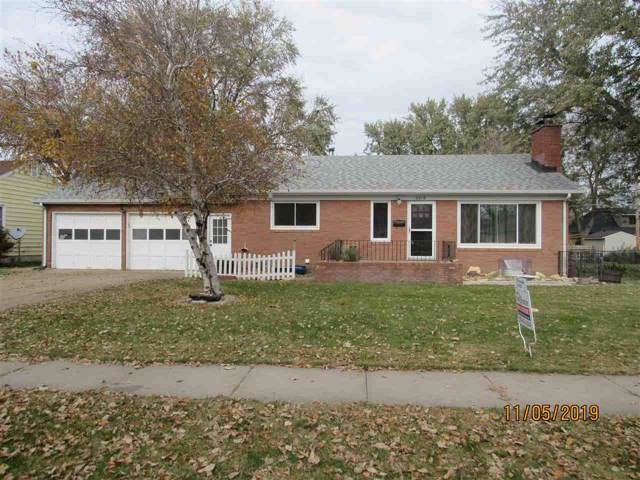 2012 W 6th Street, Hastings, NE 68901 (MLS #20195162) :: Berkshire Hathaway HomeServices Da-Ly Realty