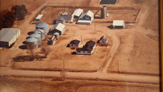 7735 Willow Road, Shelton, NE 68876 (MLS #22528) :: Berkshire Hathaway HomeServices Da-Ly Realty