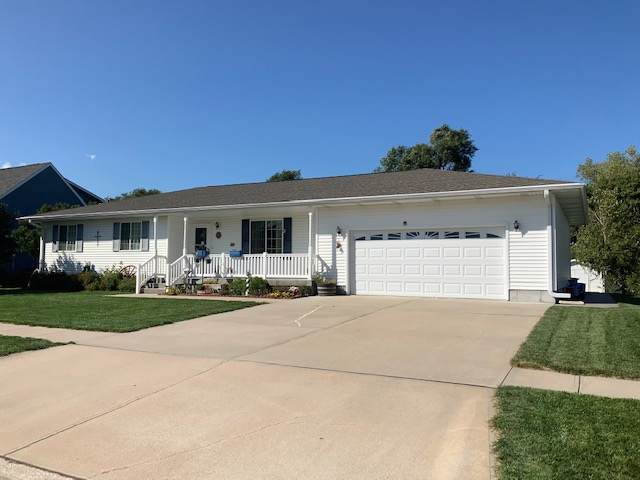 608 Drew Lane, Gibbon, NE 68840 (MLS #100002) :: Berkshire Hathaway HomeServices Da-Ly Realty