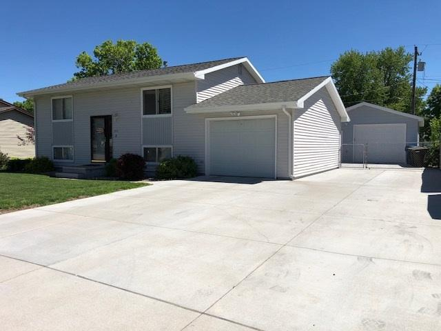 1311 E 34th Street, Kearney, NE 68845 (MLS #22842) :: Berkshire Hathaway HomeServices Da-Ly Realty