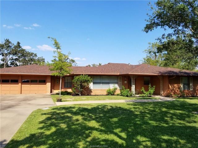 2107 Elmwood Drive, Bryan, TX 77802 (MLS #17013065) :: Cherry Ruffino Realtors