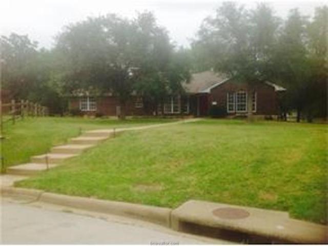 6004 Waldham Grove Lane, Bryan, TX 77802 (MLS #17017049) :: Cherry Ruffino Realtors