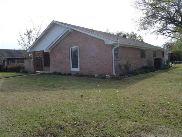 2917 Broadmoor Drive, Bryan, TX 77802 (MLS #17019117) :: Cherry Ruffino Realtors