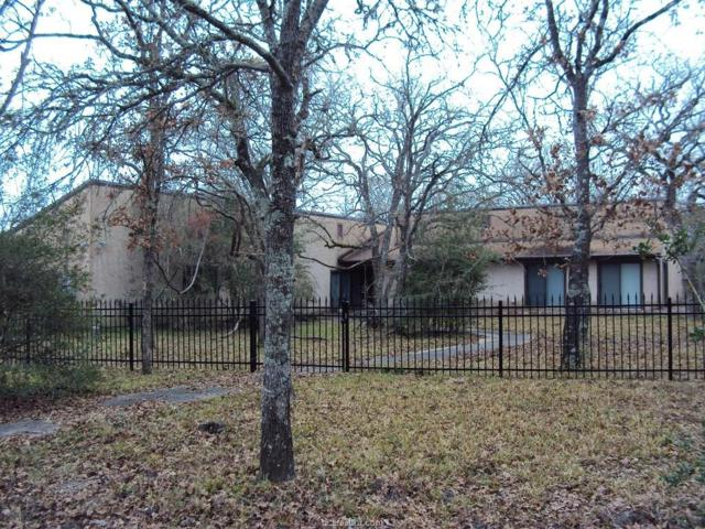 5781 Thousand Oaks Road, College Station, TX 77845 (MLS #18000015) :: The Lester Group