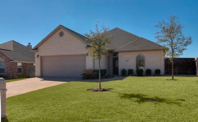 8418 Lauren Drive, College Station, TX 77845 (MLS #18007143) :: The Tradition Group
