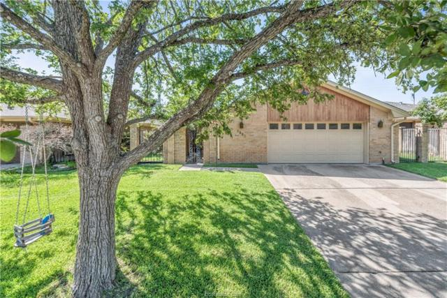 2905 Braeburn, Bryan, TX 77802 (MLS #18014391) :: The Lester Group