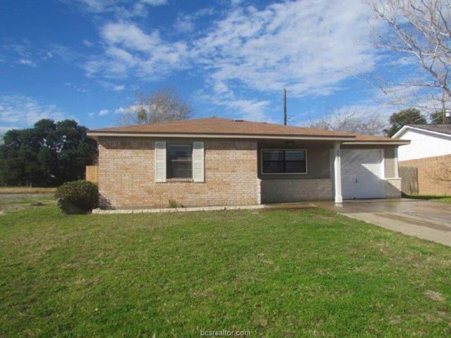 2521 Allen Ridge Drive, Bryan, TX 77802 (MLS #19000086) :: Chapman Properties Group
