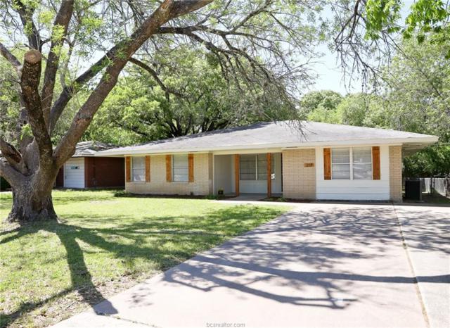 210 Ehlinger Drive, Bryan, TX 77801 (MLS #19006023) :: Treehouse Real Estate