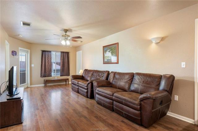 523 Southwest Parkway #304, College Station, TX 77840 (MLS #19009907) :: NextHome Realty Solutions BCS