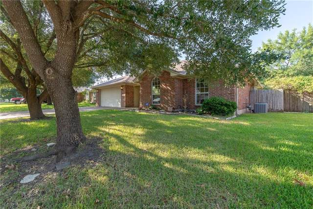 4612 Pembrook Lane, Bryan, TX 77802 (MLS #19013970) :: Chapman Properties Group