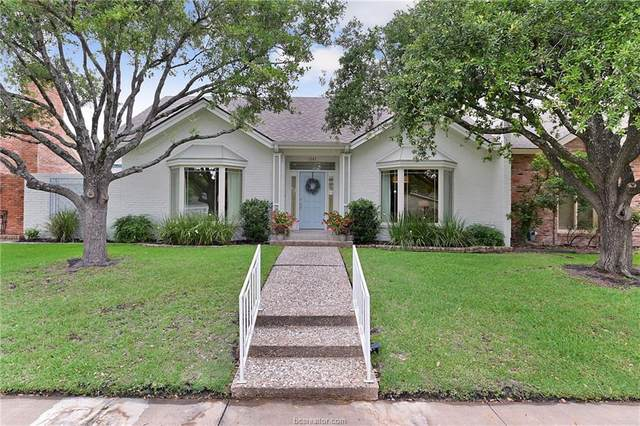 1207 Brook Hollow Drive, Bryan, TX 77802 (MLS #20008486) :: The Lester Group