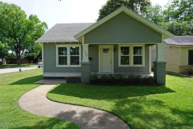 1308 S Magnolia Street, Hearne, TX 77859 (MLS #20009060) :: The Lester Group