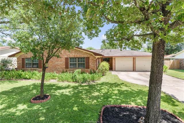 1216 S Ridgefield Circle, College Station, TX 77840 (MLS #20013519) :: Cherry Ruffino Team