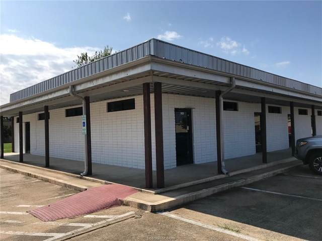 3829 Old College Road, Bryan, TX 77801 (MLS #20016956) :: My BCS Home Real Estate Group
