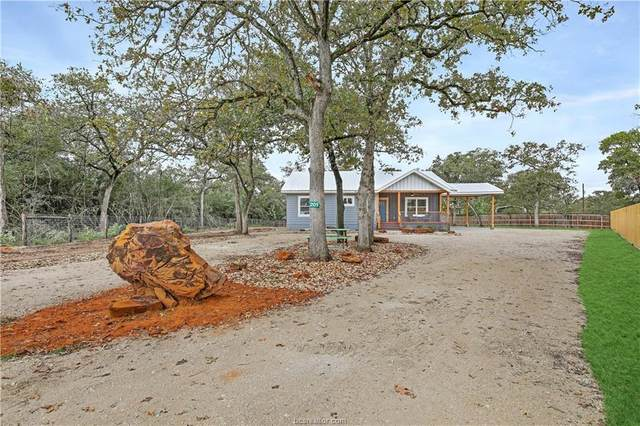 201 Northwood Drive, Somerville, TX 77879 (MLS #20017076) :: My BCS Home Real Estate Group