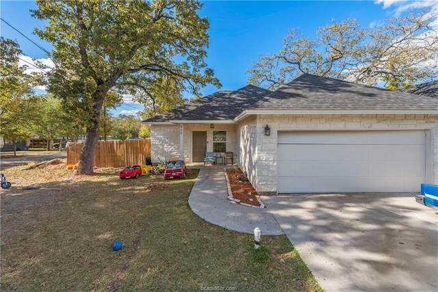 900 New York Street, Bryan, TX 77803 (MLS #20017428) :: Cherry Ruffino Team