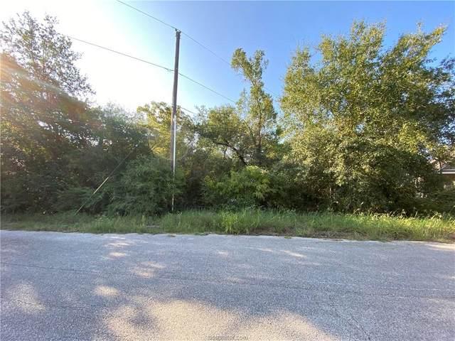 2205 Lobo Drive, Bryan, TX 77807 (MLS #21001114) :: Cherry Ruffino Team