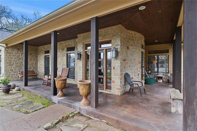 1114 Honeysuckle Lane, Caldwell, TX 77836 (MLS #21002905) :: NextHome Realty Solutions BCS