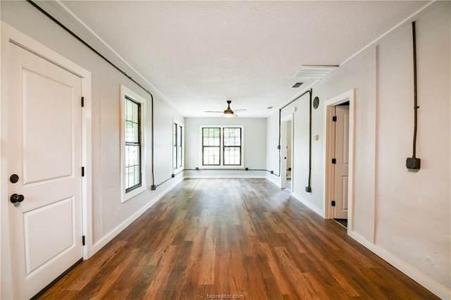 875 E Brenham St, Giddings, TX 78942 (MLS #21010574) :: Treehouse Real Estate
