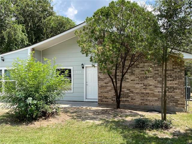 1909 Fawnwood Drive, Bryan, TX 77801 (MLS #21012433) :: The Lester Group