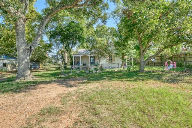 618 E Hacienda Street, Bellville, TX 77418 (MLS #21013029) :: Cherry Ruffino Team