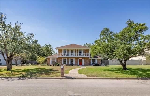 2204 Briar Oaks Drive, Bryan, TX 77802 (MLS #21013042) :: BCS Dream Homes
