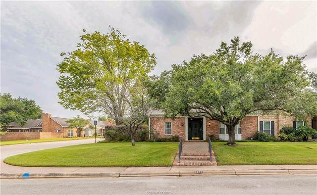 1201 Brook Hollow Drive, Bryan, TX 77802 (MLS #21013073) :: BCS Dream Homes