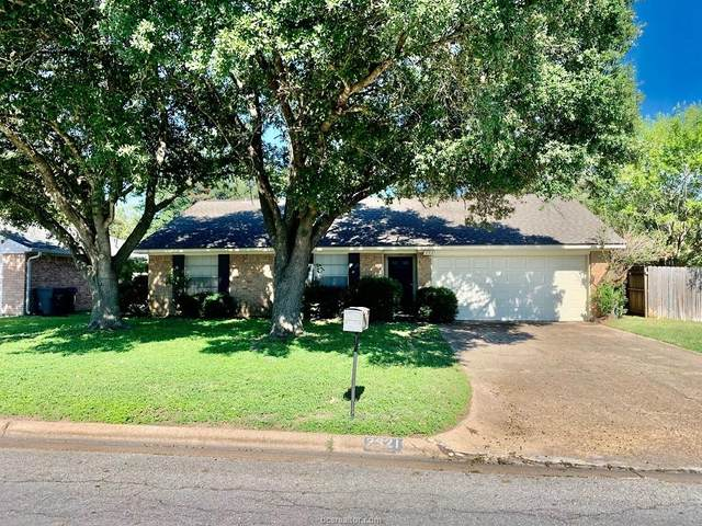 2921 Wildflower Drive, Bryan, TX 77802 (MLS #21013123) :: The Lester Group