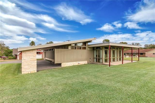 801 Tanglewood Drive, Bryan, TX 77802 (MLS #21005394) :: BCS Dream Homes
