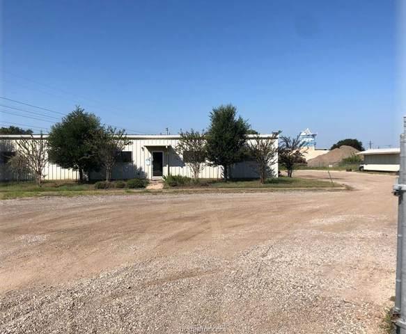 9134 Interstate Drive, Navasota, TX 77868 (MLS #21013090) :: Cherry Ruffino Team