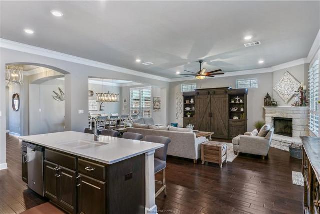 3424 Lockett Hall Circle, Bryan, TX 77808 (MLS #18015655) :: Chapman Properties Group