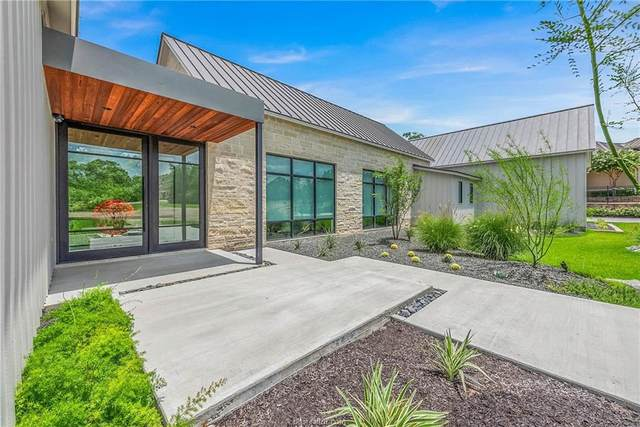 3304 Sycamore, Bryan, TX 77807 (MLS #21009430) :: BCS Dream Homes